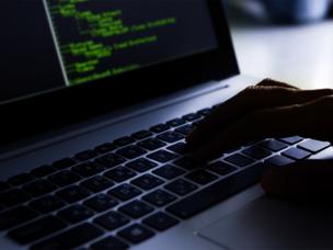 Предприятия Ростеха переходят на отечественную ОС на базе Linux