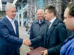 Sergey Sobyanin visita RPC Salut de Moscú