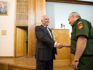 Vortrag von Sergej Tschemesow an der Akademie des Generalstabs der russischen Streitkräfte