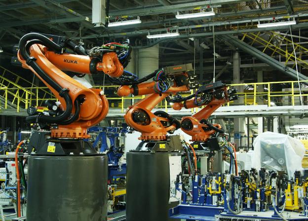 """Vertreter von """"KUKA Robotics Rus"""" besuchten das KAMAZ-Werk"""