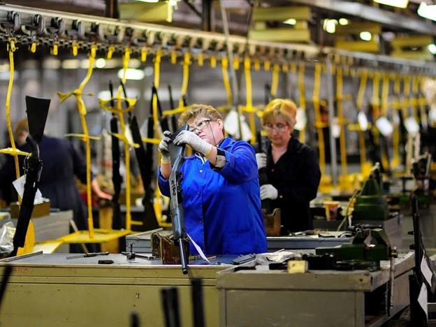 Consorcio Kaláshnikov invierte más de 70 millones de dólares en la modernización de una fábrica de producción de fusiles