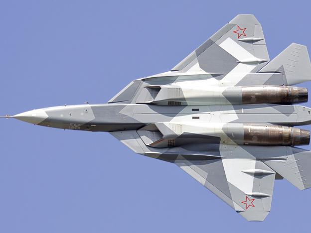 Abwehrjäger Su-57  ist geplant, in 2018 in die Streitkräfte eingeführt zu werden