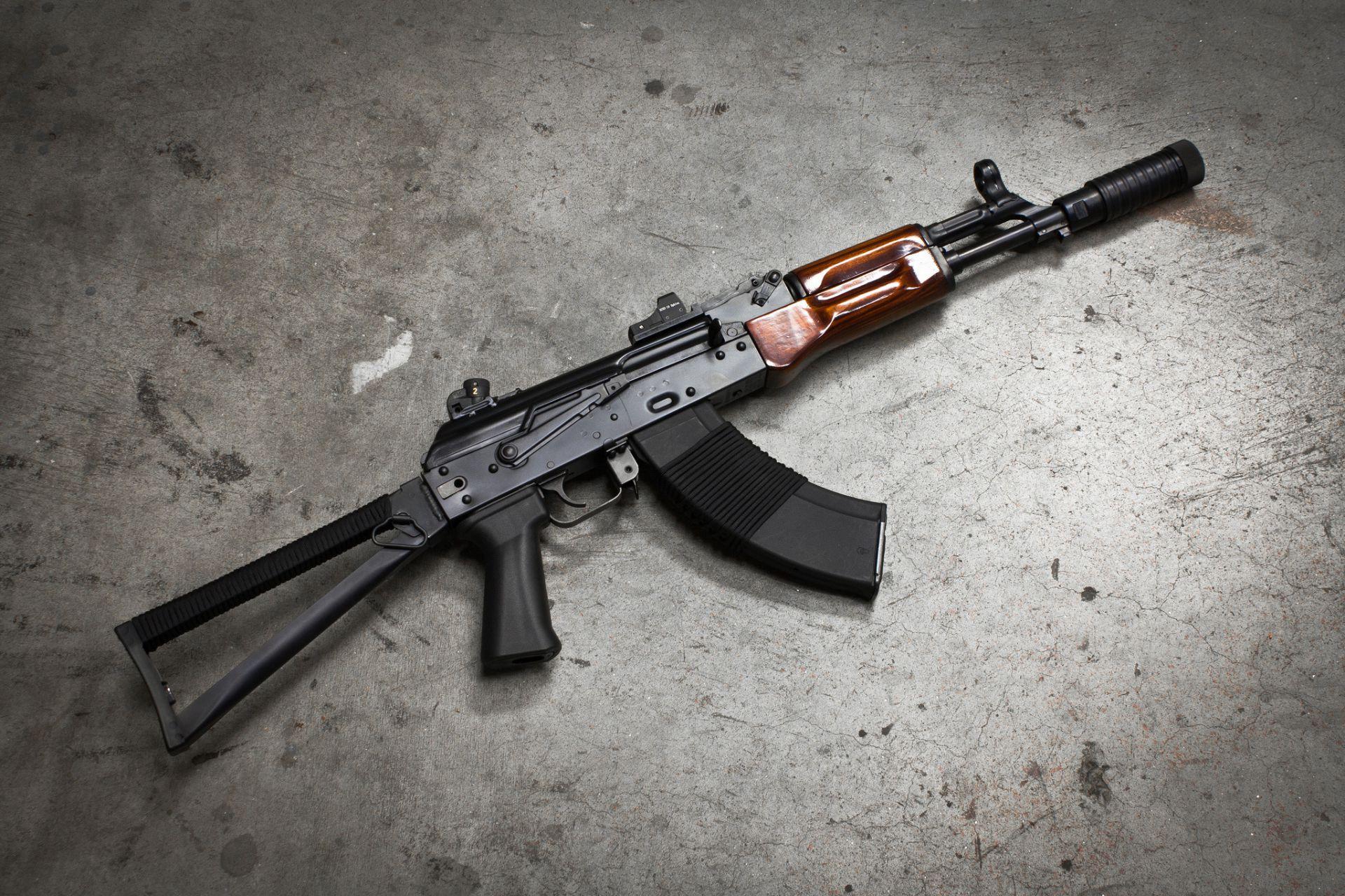 Kalashnikov Assault Rifle: the Evolution of a Masterpiece