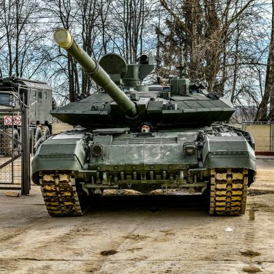 "Russian Army Receives First T-90M ""Proryv"" Tanks"