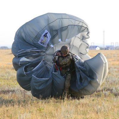 Rostec Begins Supplying New Parachutes for Russian Special Forces