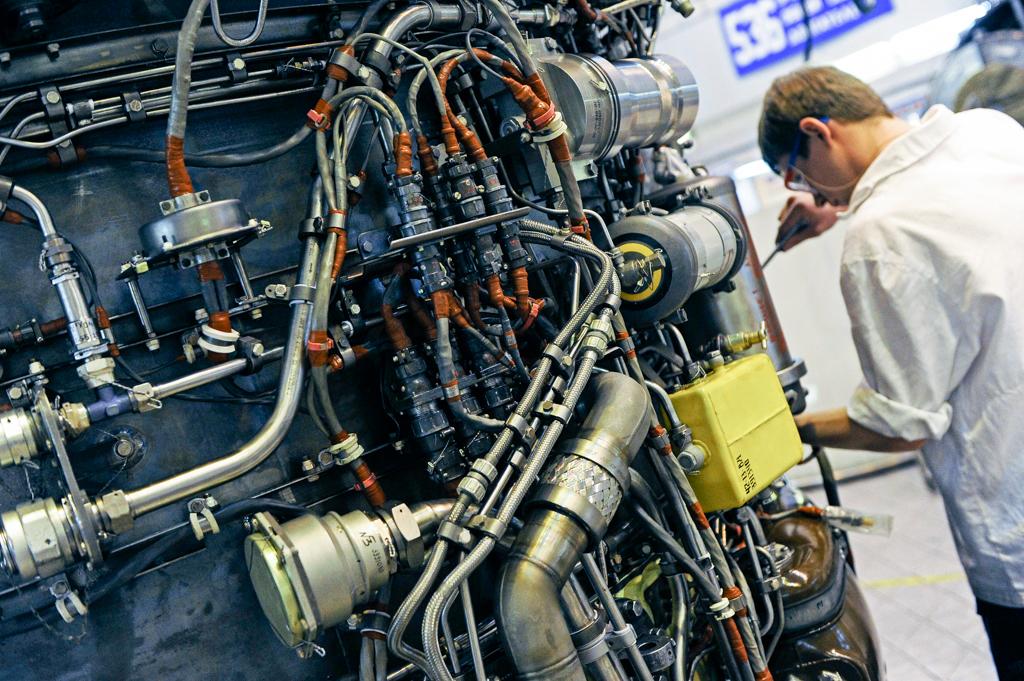 Ростех открыл во Вьетнаме центр ремонта вертолетных двигателей