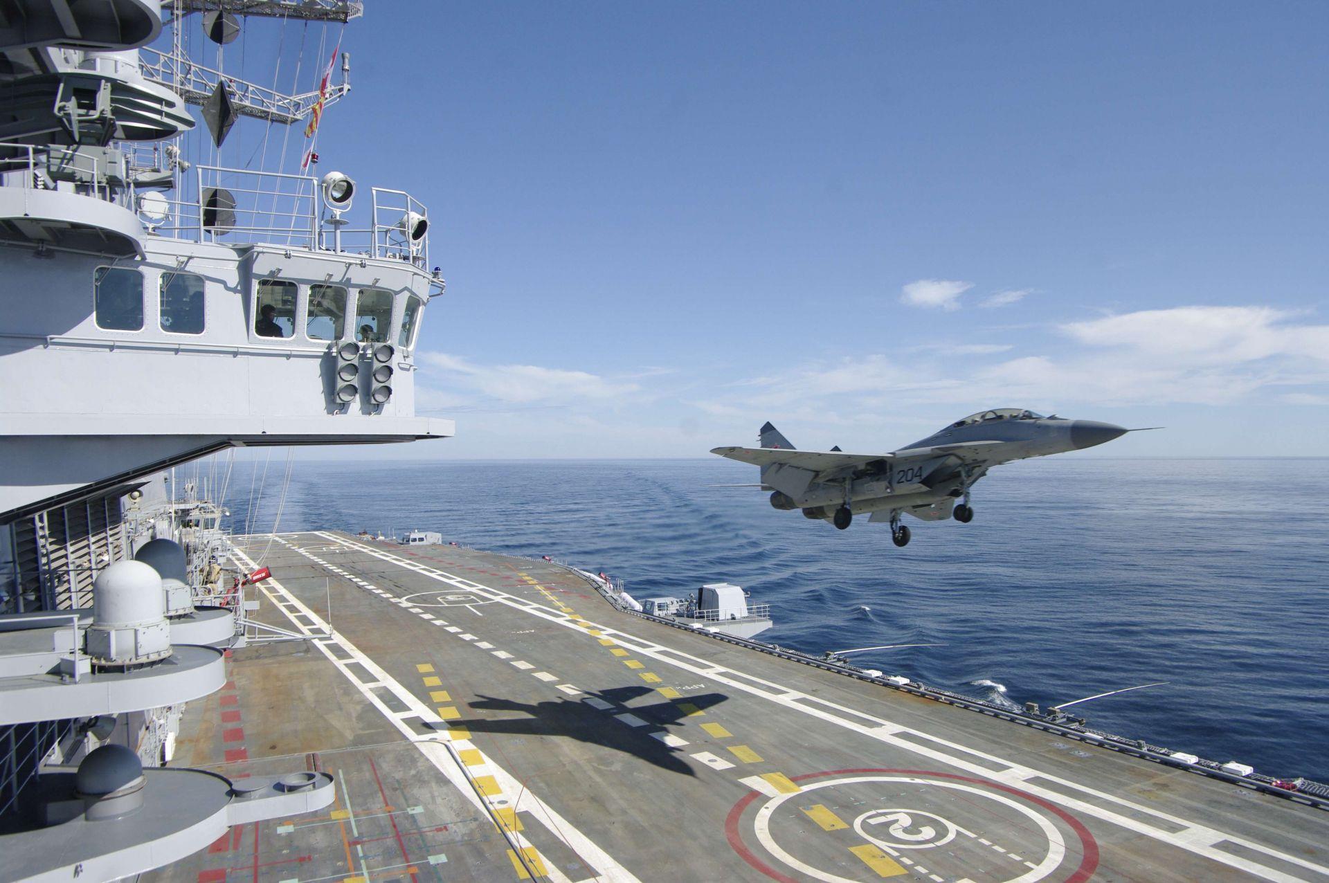 круглый фото военных кораблей и самолетов россии этом