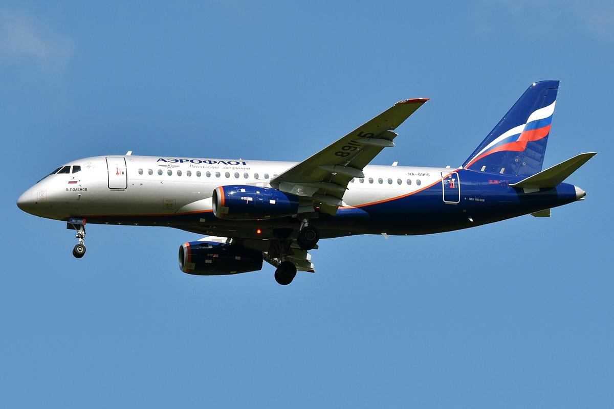 Авиалайнеры SSJ100 вышли на новые региональные маршруты