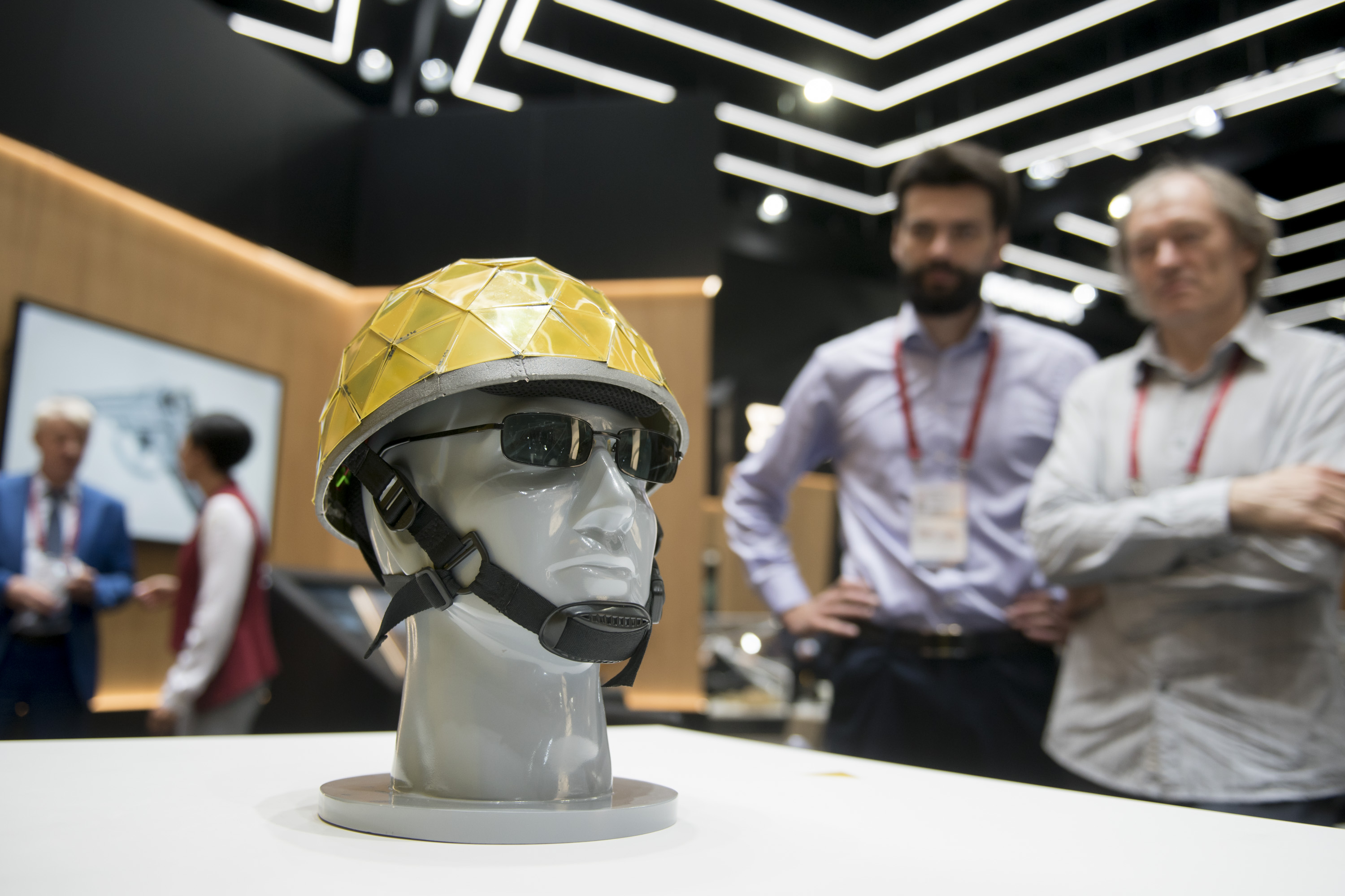 "Rostec Presents Chameleon Helmet to Equip the ""Soldier of the Future"" at Army 2018"