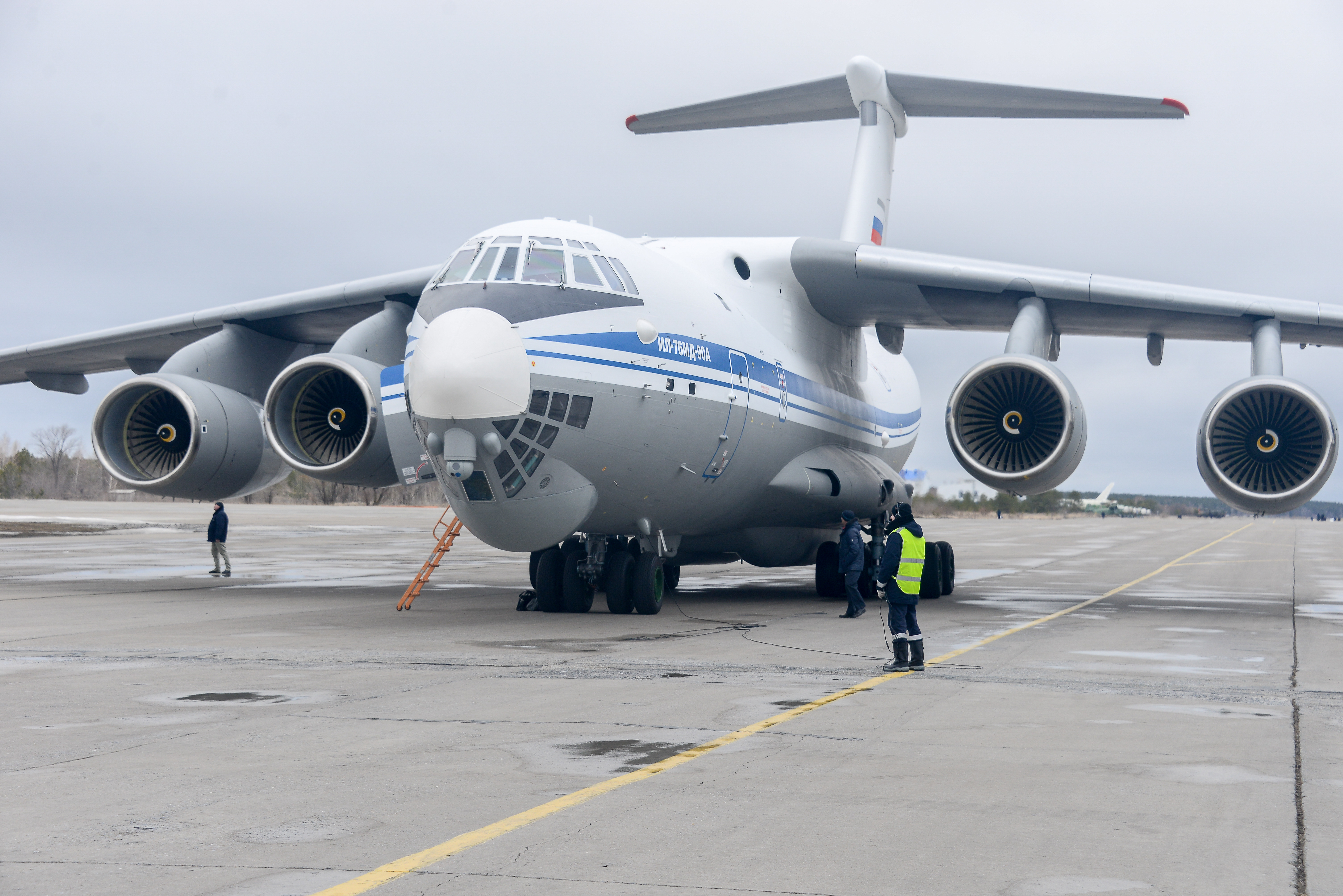 Серийный Ил-76МД-90А после покраски передан на испытания