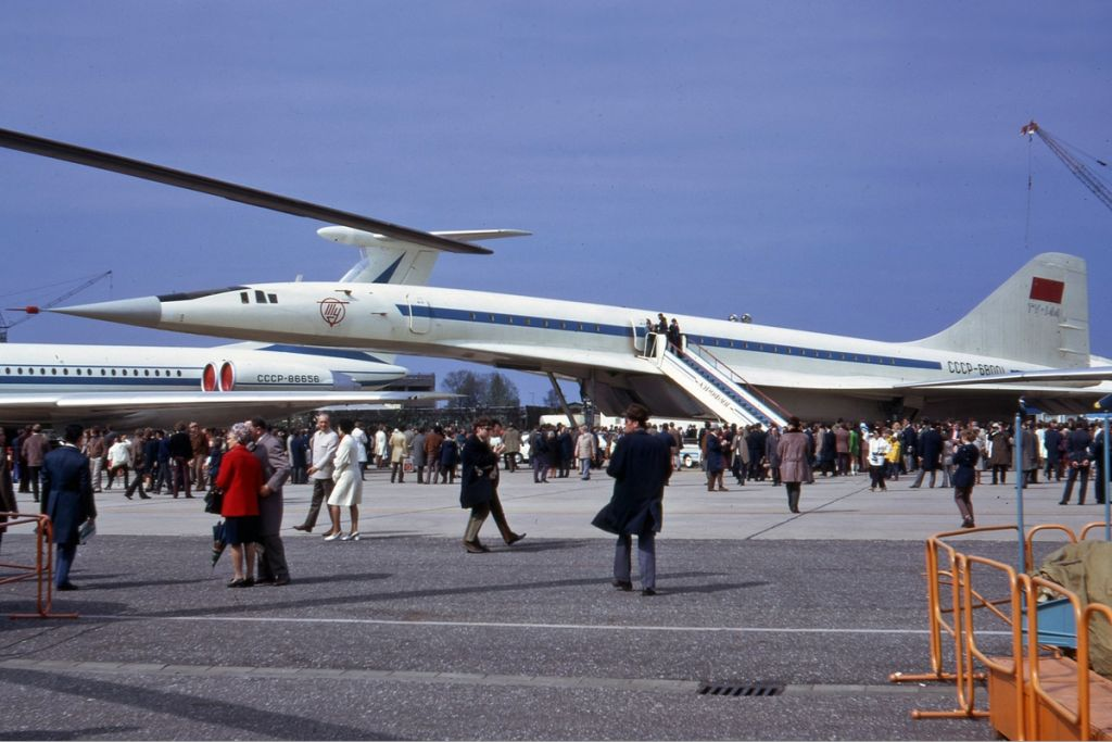 Tupolev_Tu-144_in_Hannover_in_1972_Manteufel.jpg